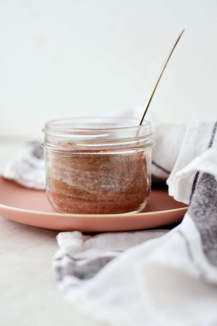Cinnamon Sugar l SimplyScratch.com #homemade #cinnamon #sugar #easy #best #spiceblend