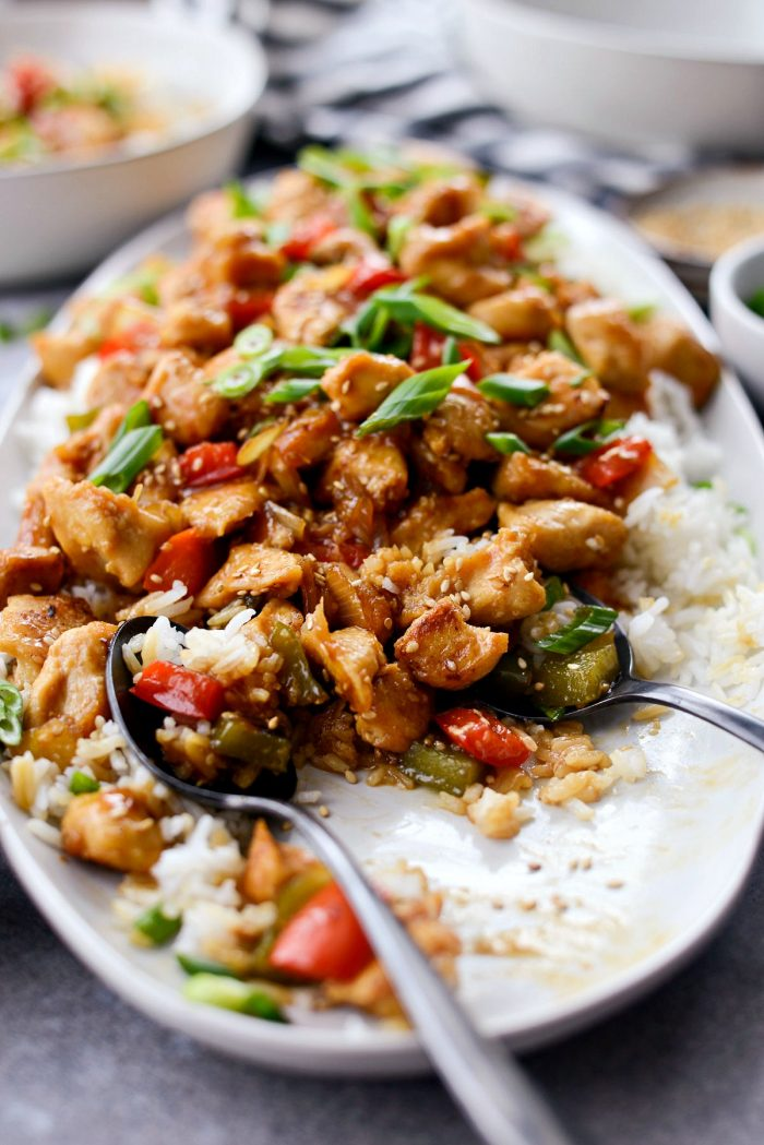 Healthy Sesame Chicken l SimplyScratch.com #healthy #sesame #chicken #stirfry #rice #dinner #takeout