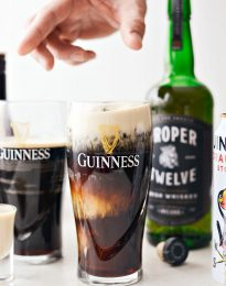 Irish Car Bombs l SimplyScratch.com #irish #carbombs #drink #adultbeverage #alcoholicdrink #beer #guinness #irishwhiskey #IrischLiqueur #bar #stpatricksday