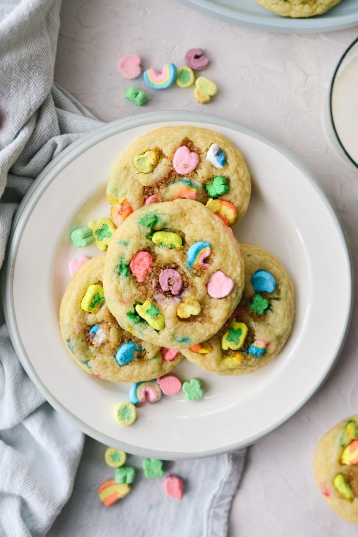 Lucky Charms Cookies l SimplyScratch.com #luckycharms #cookies #stpatricksday #recipe #treat #schoolparty #baking
