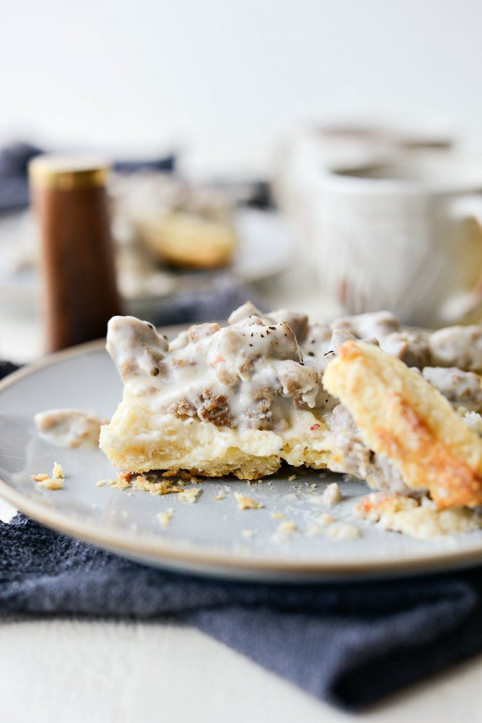 Turkey Breakfast Sausage Gravy l SimplyScratch.com #turkey #sausage #breakfast #gravy #homemade #easy #brunch