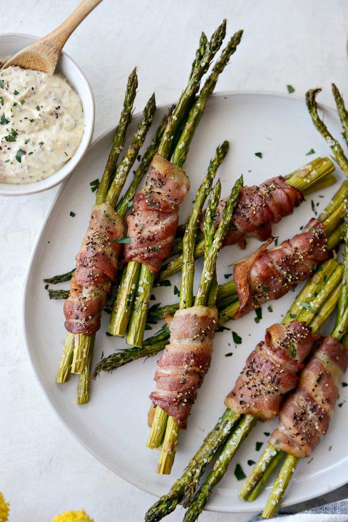 Bacon Wrapped Asparagus Bundles l SimplyScratch.com #bacon #asparagus #easter #sidedish #brunch #mustarddip #easy #recipe