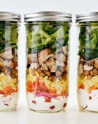 Everyday Mason Jar Salad l SimplyScratch.com #mealprep #salad #masonjar #jarsalad #lowpoint #ww #lowfat