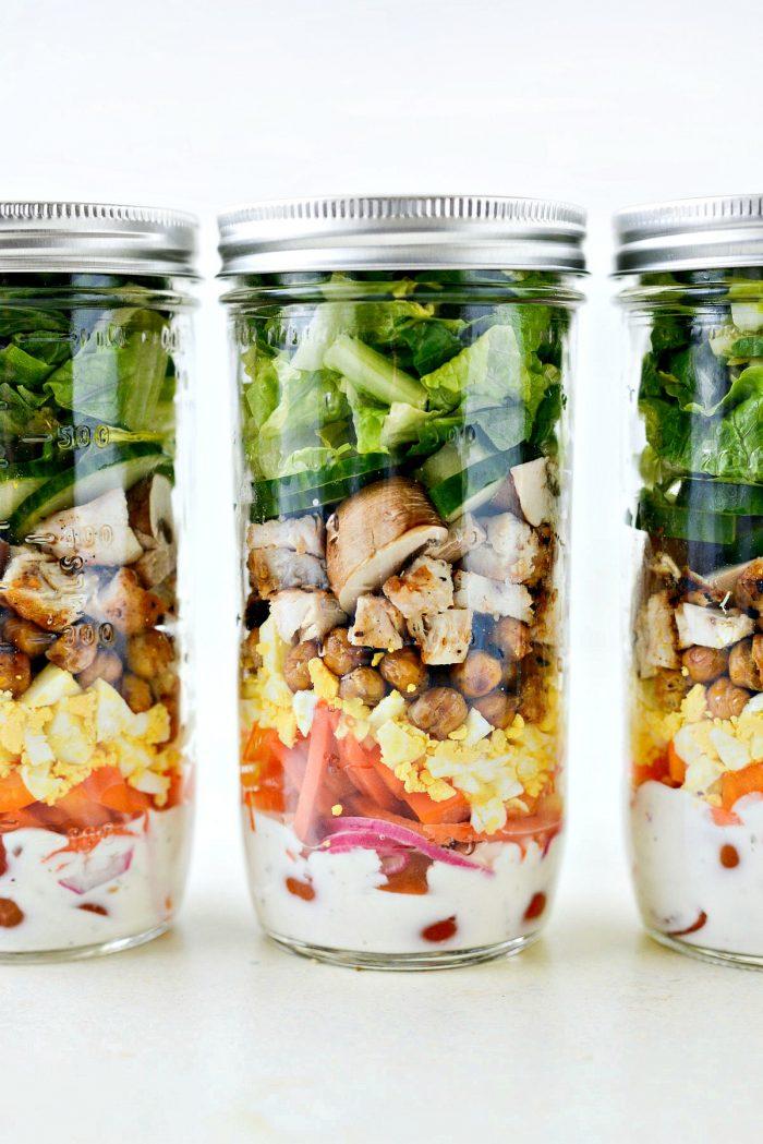 Everyday Mason Jar Salad l SimplyScratch.com #mealprep #salad #masonjar #jarsalad #lowpoint #ww #lowfat