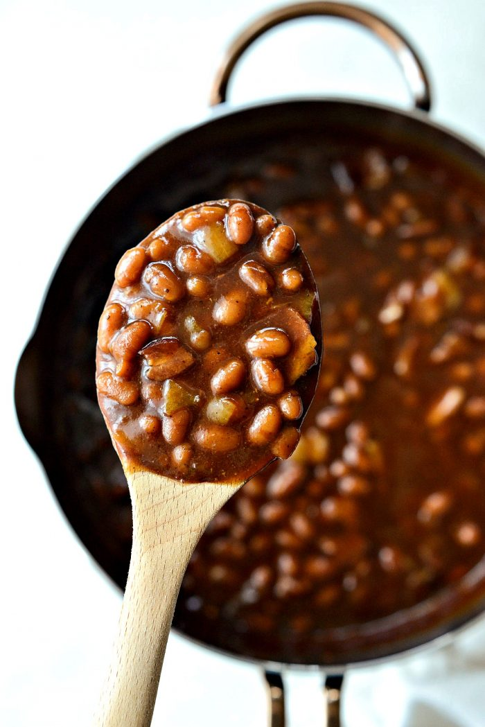 My Moms Baked Beans l SimplyScratch.com #homemade #semifromscratch #baked #beans #sidedish #easter #potluck #barbecue #picnic #easy #recipe