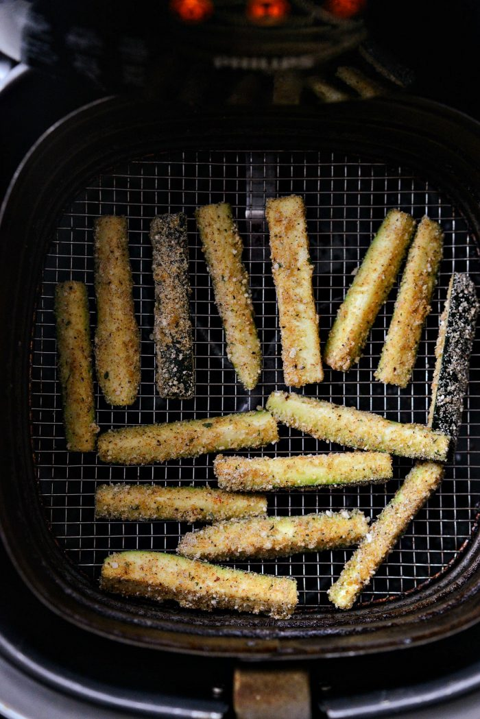 zucchini fries before air frying