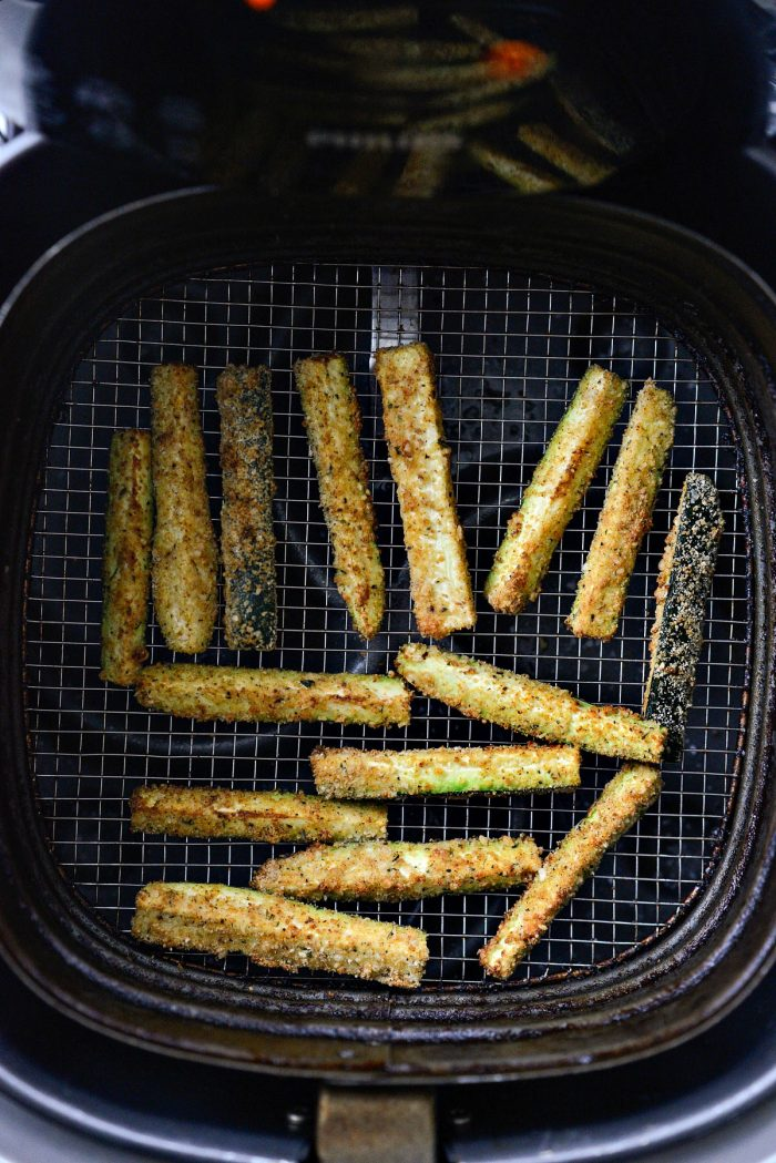 zucchini fries after air frying.