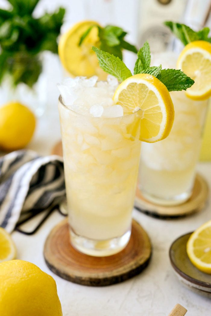 refreshing glass of lemon shandy refresher
