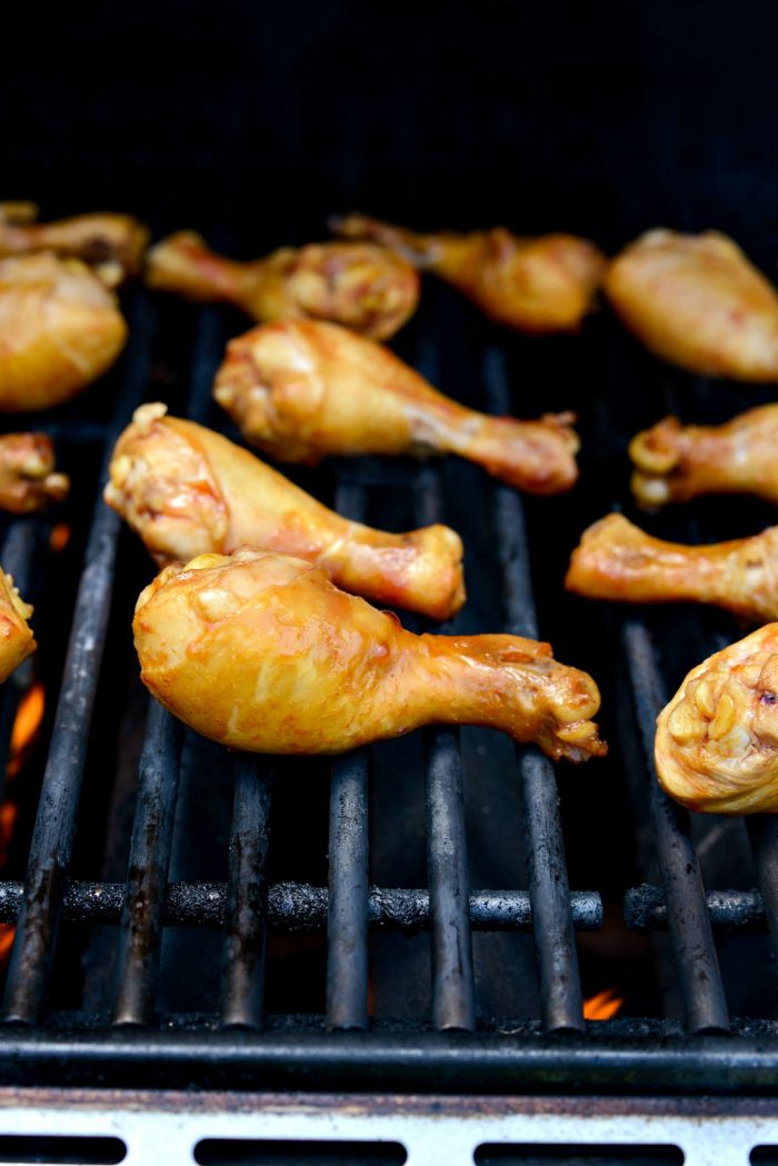 grill chicken on grates.