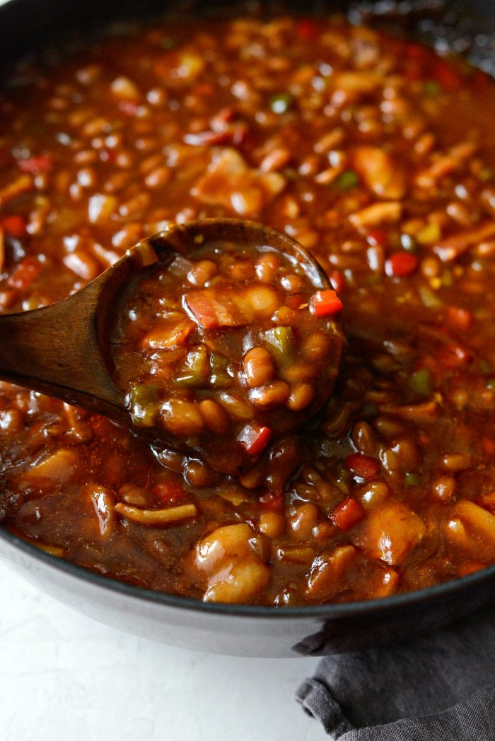scoop of one pot wicked baked beans.