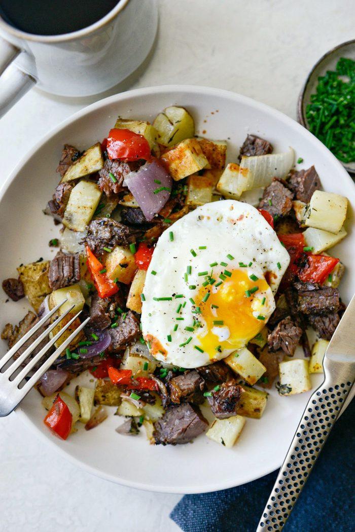 dig in! smoked brisket breakfast hash