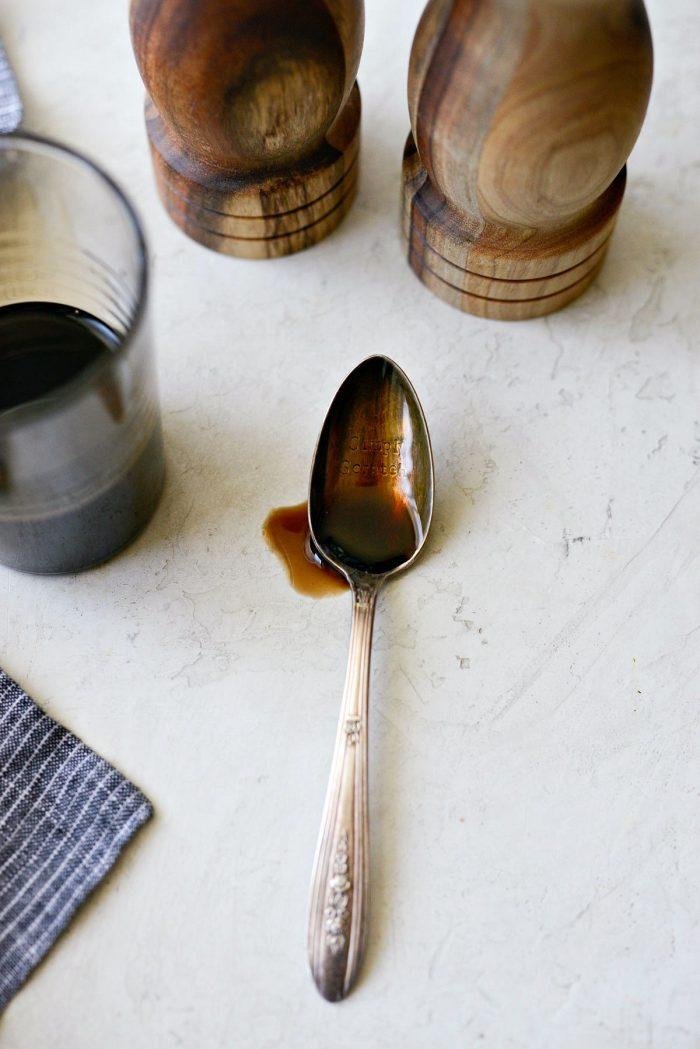 how to make balsamic glaze - glaze on a spoon