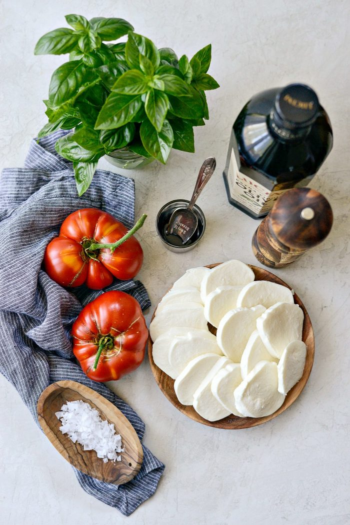 summer caprese salad recipe ingredients