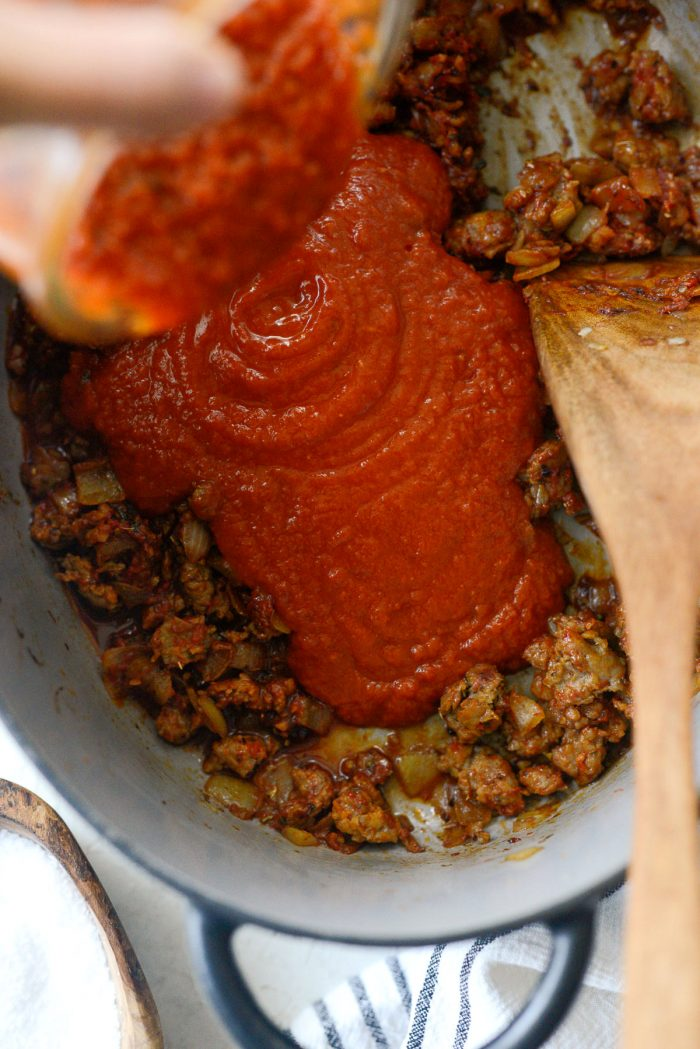 pour in 3 cups homemade marinara