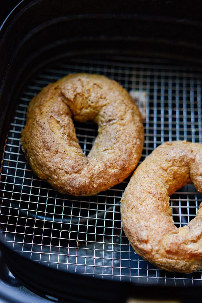 air fried pumpkin spice bagels