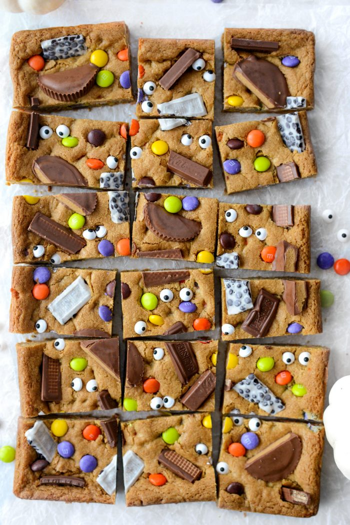 cut Halloween Candy Cookie Bars.