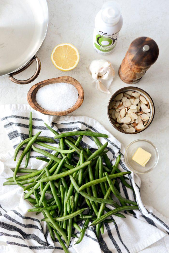 garlicky green beans almondine ingredients.