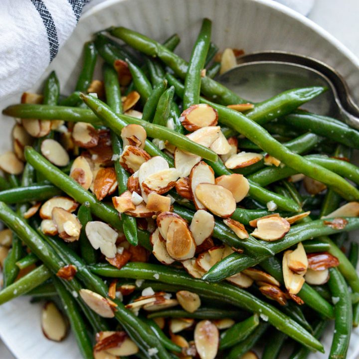 Garlicky Green Beans Almondine
