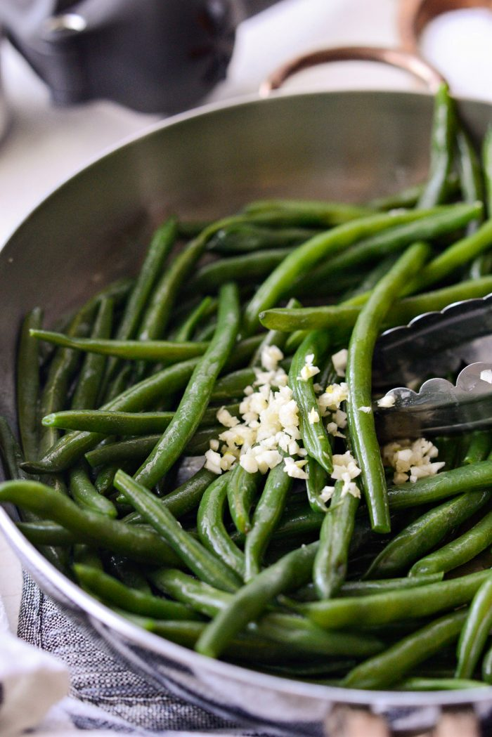buttery green beans with garlic.