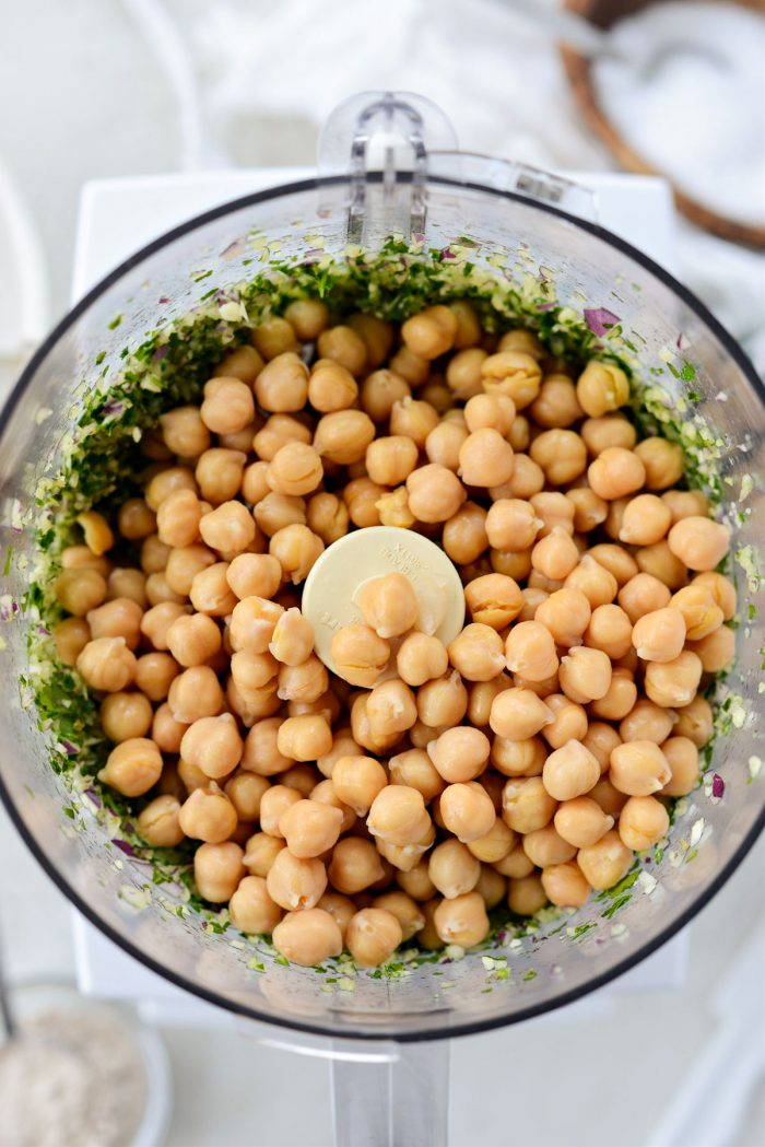 add chickpeas to food processor