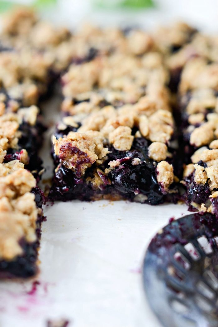 Blueberry Oatmeal Crumble Pie Bars
