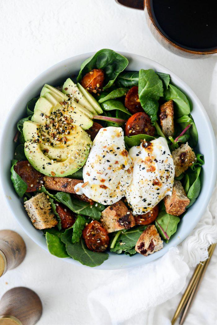 avocado, everything season, poached eggs and tomato oil