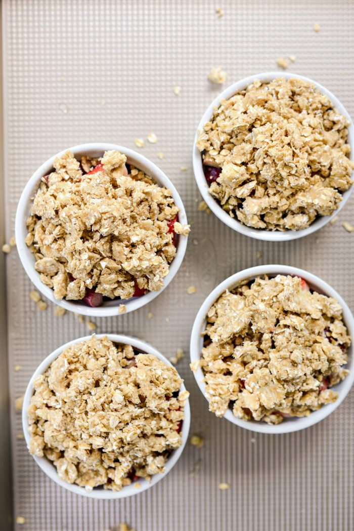top with oat crumb topping