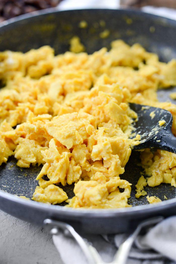 perfectly scrambled eggs